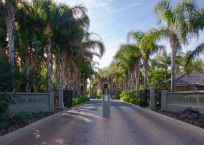 Sunraysia Resort Entrance